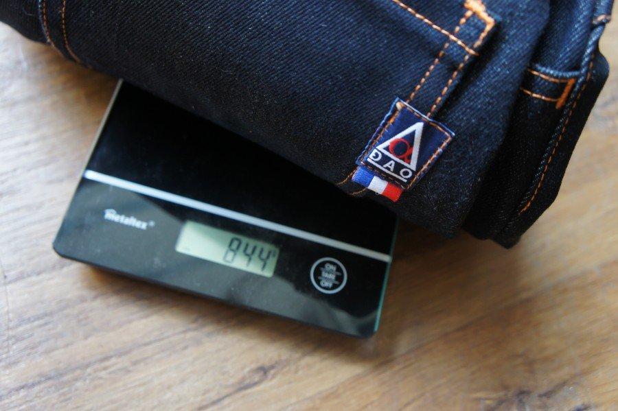 Le poids d'un jeans selvedge 16 oz