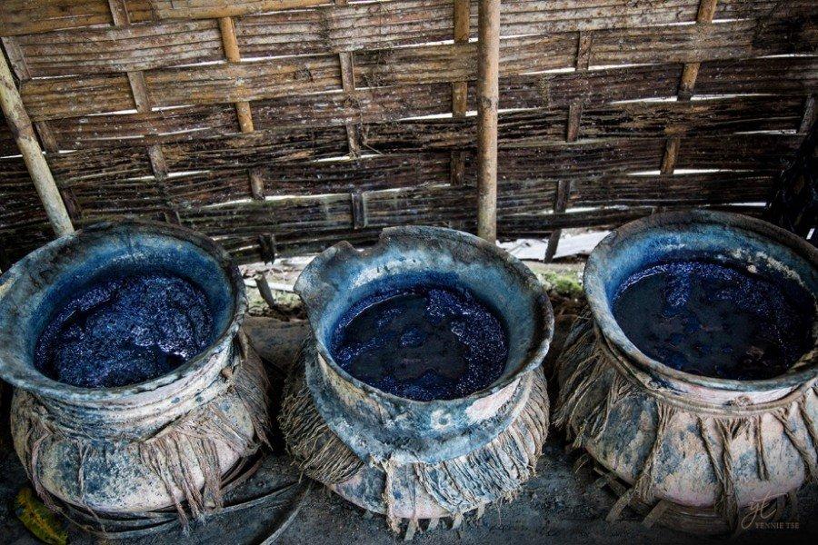 Trois bains de teinture indigo